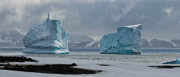icebergs the size of houses