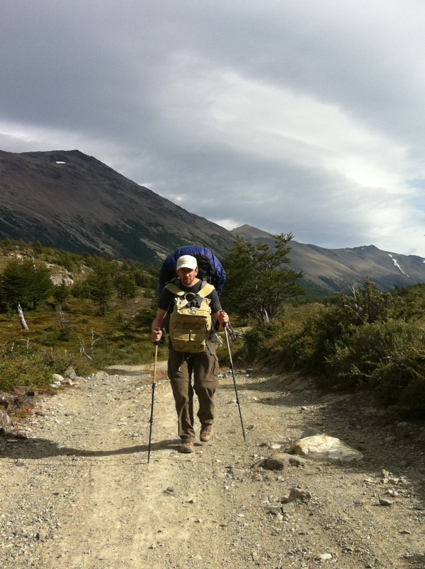 poor Laurent, literally trudging the 23 km over the border with 40 kilos on his back!