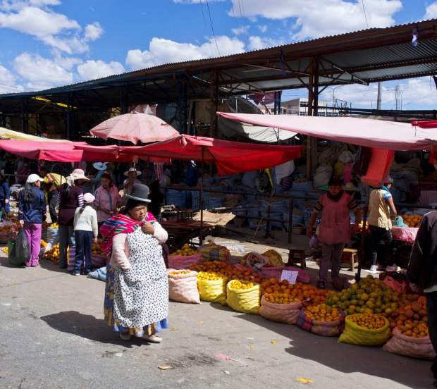 the huge, sprawling La Cancha market