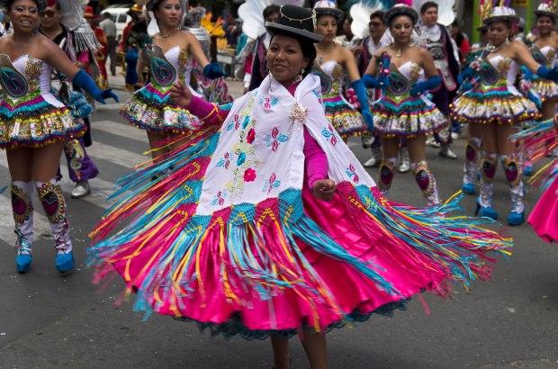 parade in La Paz 20 de Octubre