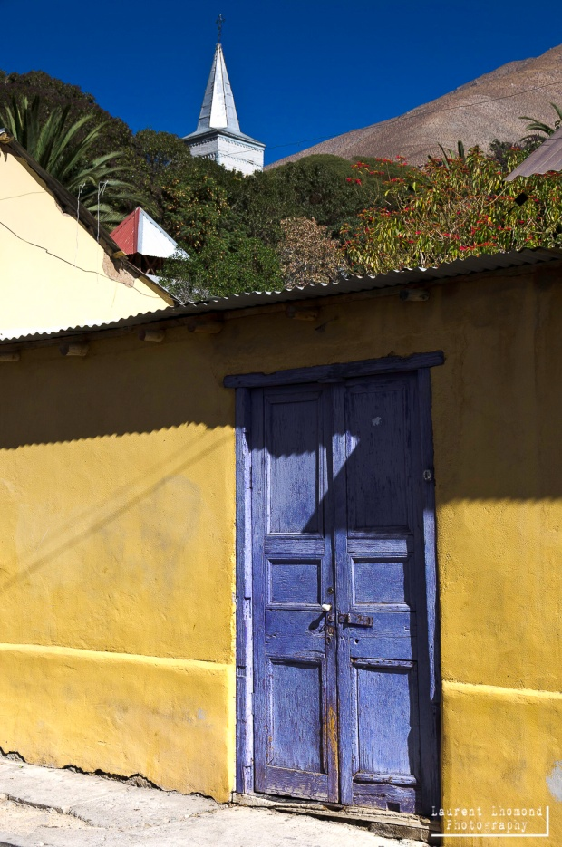 colorful homes line the streets in Pisco Elqui
