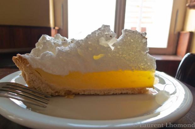 the unmissable lemon pie from Estancia Leona on the way from El Calafte to El Chalten