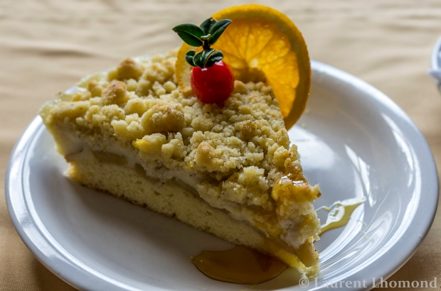a nice piece of kuchen is typically served during a Chilean once